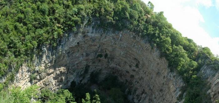 Печера ластівок - дивовижне творіння природи (9)