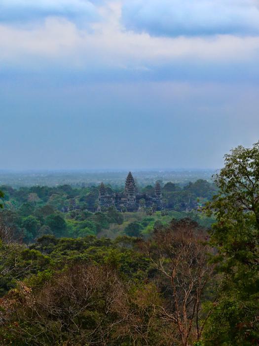 Ангкор Ват у Камбоджі - містичне та дивовижне по своїй атмосфері і масштабності місце (25)