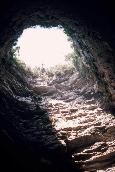 Печера ластівок - дивовижне творіння природи (6)