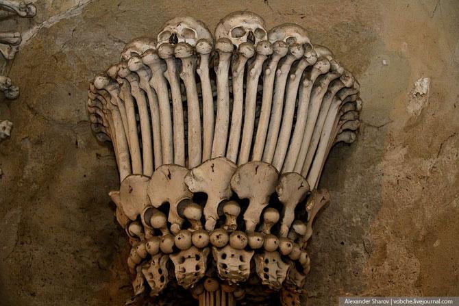 Каплиця з людських скелетів (13)