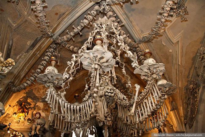 Каплиця з людських скелетів (12)