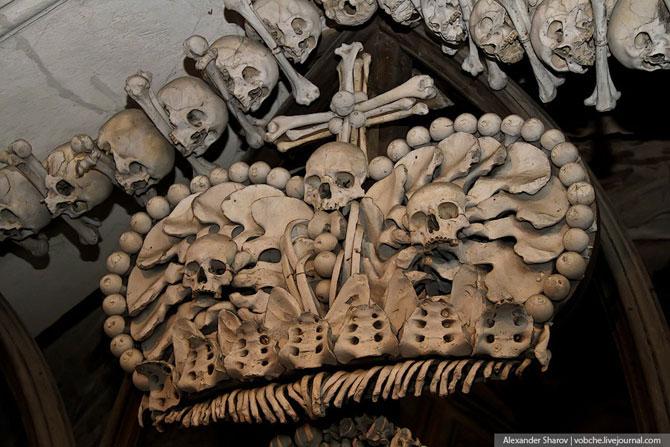Каплиця з людських скелетів (10)