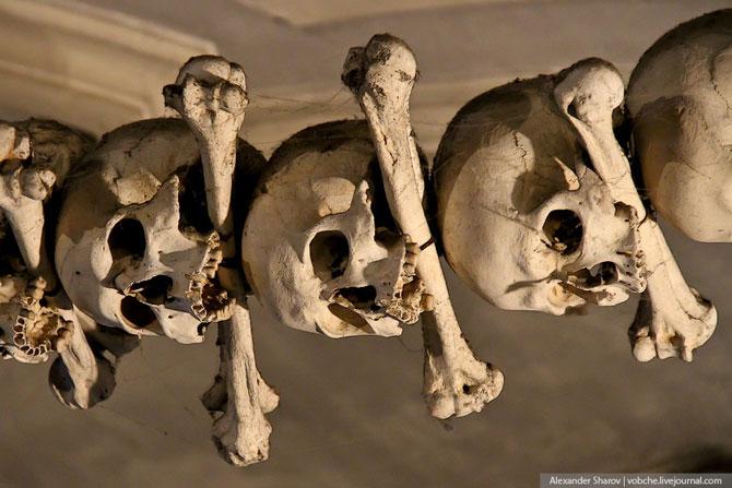 Каплиця з людських скелетів (6)