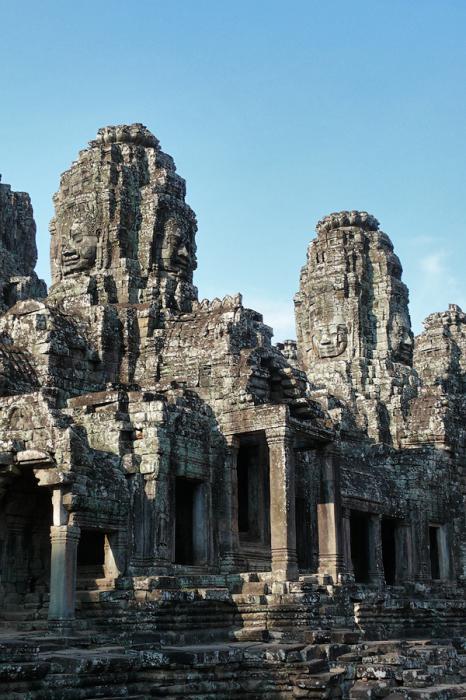 Ангкор Ват у Камбоджі - містичне та дивовижне по своїй атмосфері і масштабності місце (19)