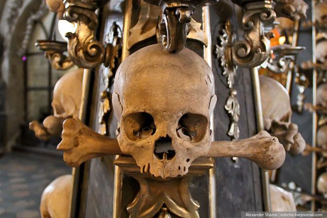 Каплиця з людських скелетів (5)