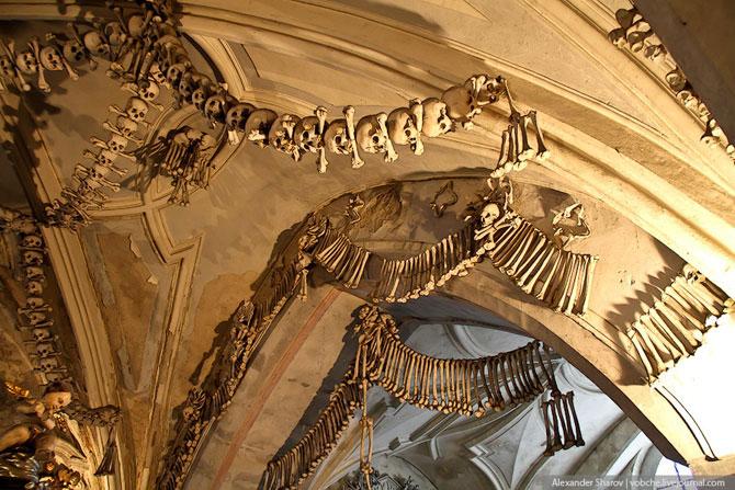Каплиця з людських скелетів (4)