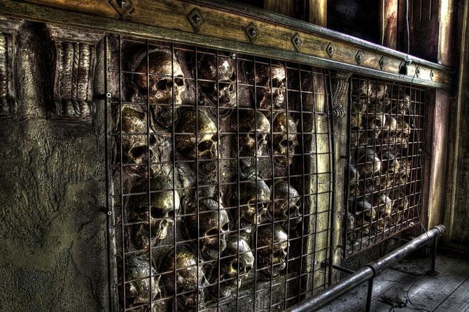 Будинок 1000 духів - пекельний ресторан, що наводить жах (26)