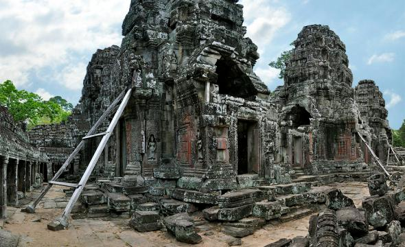 Ангкор Ват у Камбоджі - містичне та дивовижне по своїй атмосфері і масштабності місце (13)