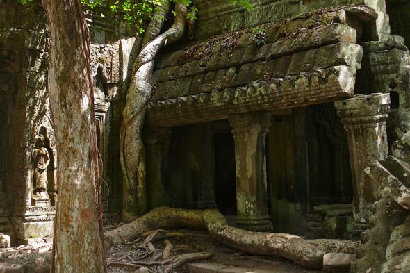 Ангкор Ват у Камбоджі - містичне та дивовижне по своїй атмосфері і масштабності місце (9)
