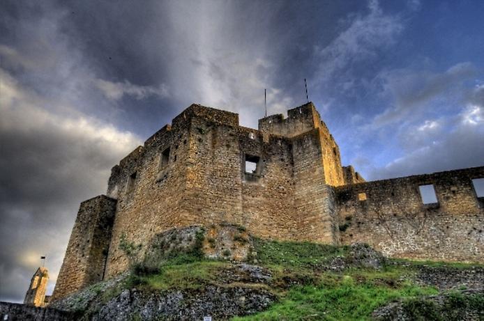 Красива фортеця Конвенту-де-Крішту - головна обитель португальських тамплієрів (10)