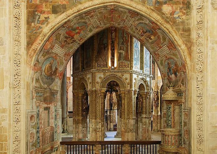 Красива фортеця Конвенту-де-Крішту - головна обитель португальських тамплієрів (9)