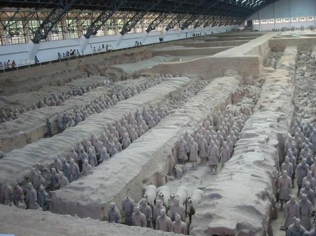 Теракотова армія імператора Цинь Шихуанді (7)