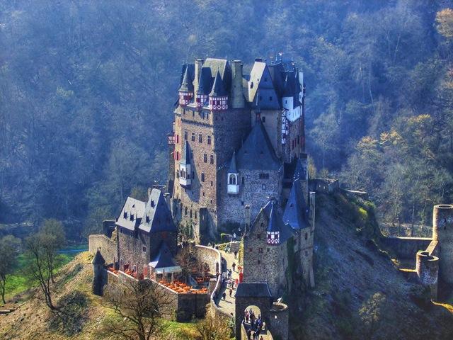 Красивий замок Ельц - Перлина німецьких замків (5)