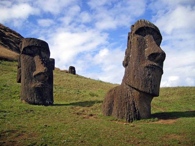 Острів Пасхи і загадкові кам'яні статуї Моаї (6)