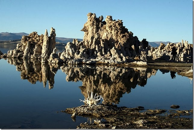 Одне з найдивовижніших місць в Каліфорнії - колони озера Моно (1)