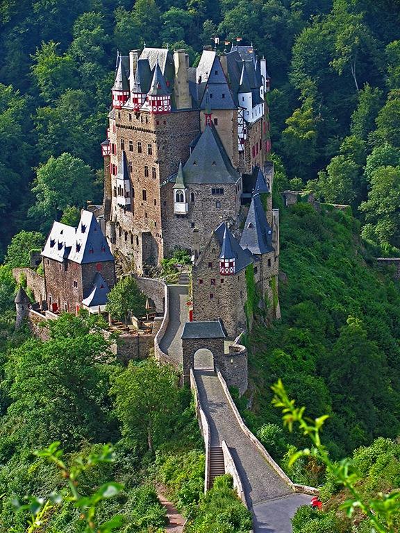 Красивий замок Ельц - Перлина німецьких замків (4)
