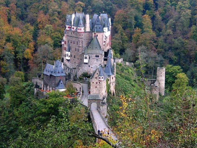 Красивий замок Ельц - Перлина німецьких замків (3)