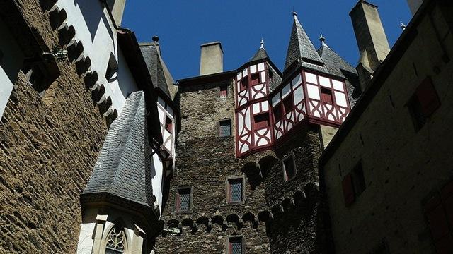Красивий замок Ельц - Перлина німецьких замків (1)