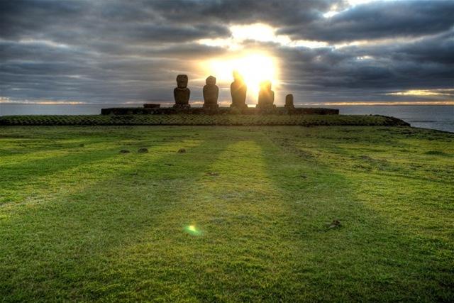 Острів Пасхи і загадкові кам'яні статуї Моаї (3)
