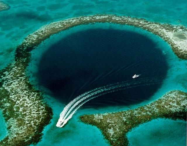 Велика блакитна дірка в океані: Підводна печера неподалік Белізу (2)
