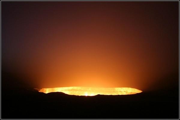 Ворота пекла: газовий кратер Дарваза в Туркменістані (6)