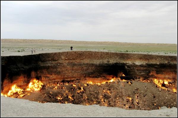 Ворота пекла: газовий кратер Дарваза в Туркменістані (4)