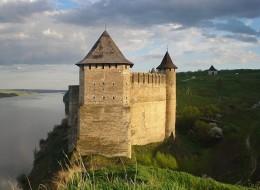 Хотинська фортеця - один з найдавніших і найвеличніших замків України (2)