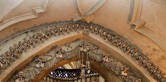 Каплиця з людських скелетів (1)