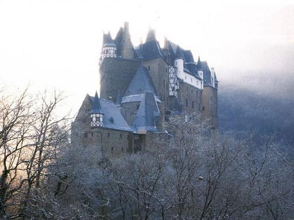 Дивовижний замок Бург Ельц, перлина німецьких замків (2)