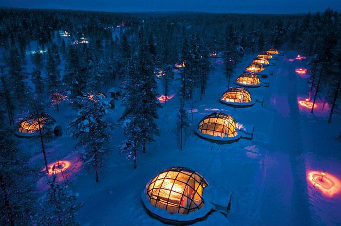 Унікальний готель у Лапландії зі скляними іглу для незабутнього відпочинку (1)