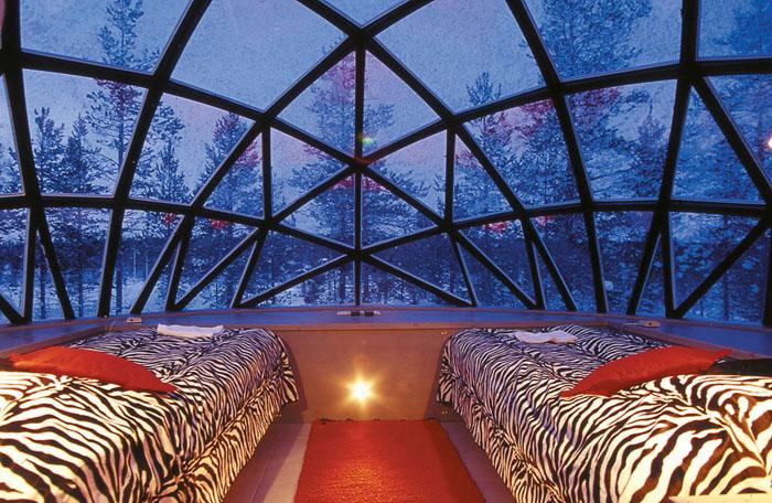 Унікальний готель у Лапландії зі скляними іглу для незабутнього відпочинку (2)