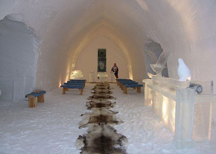 Унікальний готель у Лапландії зі скляними іглу для незабутнього відпочинку (7)