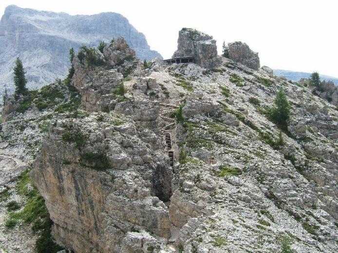Доломітові Альпи - дивовижної краси 150-кілометровий гірський масив в Східних Альпах. Скарб Італії (18)