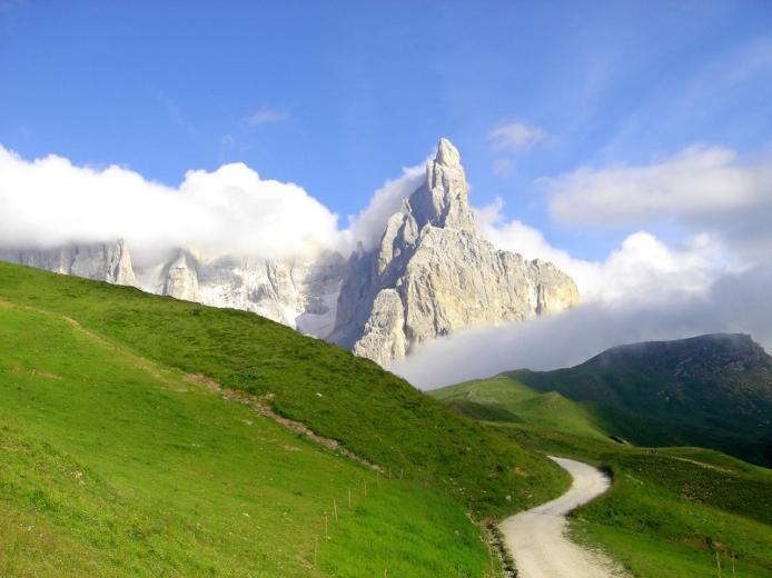 Доломітові Альпи - дивовижної краси 150-кілометровий гірський масив в Східних Альпах. Скарб Італії (16)