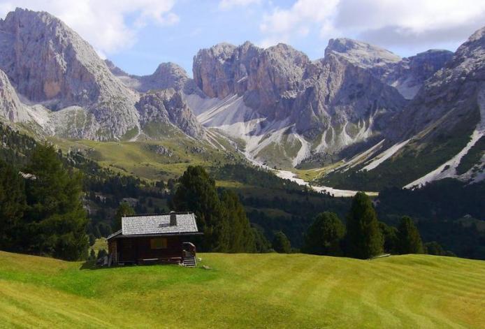 Доломітові Альпи - дивовижної краси 150-кілометровий гірський масив в Східних Альпах. Скарб Італії (15)
