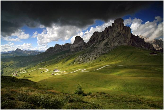 Доломітові Альпи - дивовижної краси 150-кілометровий гірський масив в Східних Альпах. Скарб Італії (13)