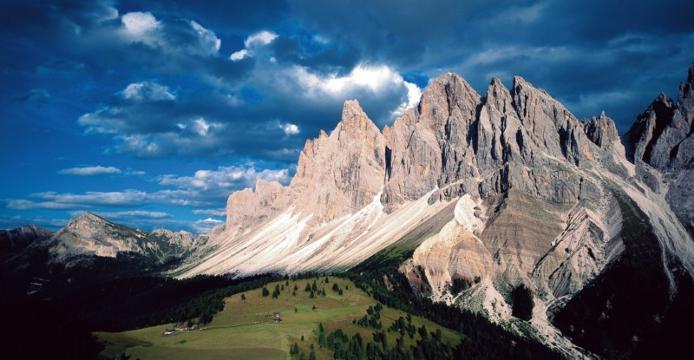 Доломітові Альпи - дивовижної краси 150-кілометровий гірський масив в Східних Альпах. Скарб Італії (10)
