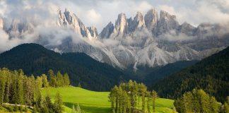Доломітові Альпи - дивовижної краси 150-кілометровий гірський масив в Східних Альпах. Скарб Італії (9)