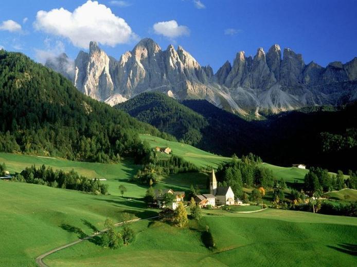 Доломітові Альпи - дивовижної краси 150-кілометровий гірський масив в Східних Альпах. Скарб Італії (8)