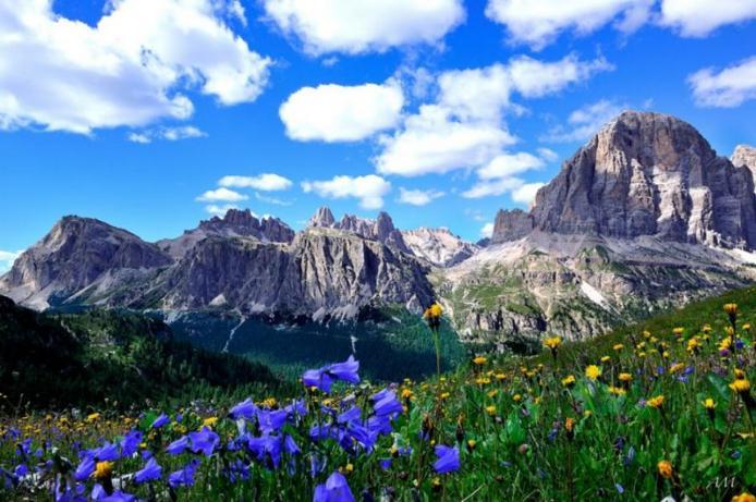 Доломітові Альпи - дивовижної краси 150-кілометровий гірський масив в Східних Альпах. Скарб Італії (4)