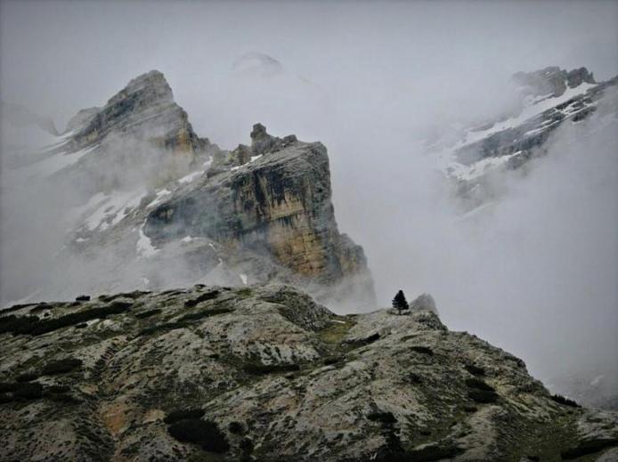 Доломітові Альпи - дивовижної краси 150-кілометровий гірський масив в Східних Альпах. Скарб Італії (1)