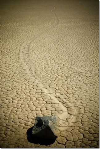 Парк Долина Смерті та камінці що самі пересуваються по ній (10)