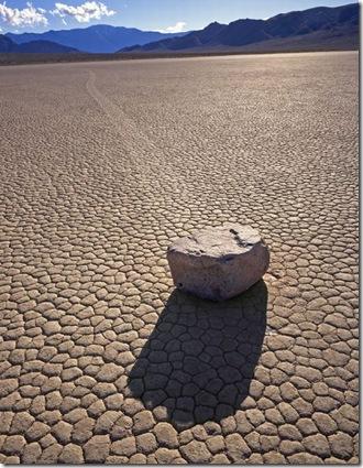 Парк Долина Смерті та камінці що самі пересуваються по ній (7)
