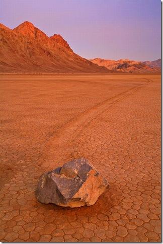 Парк Долина Смерті та камінці що самі пересуваються по ній (6)