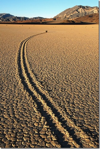Парк Долина Смерті та камінці що самі пересуваються по ній (12)