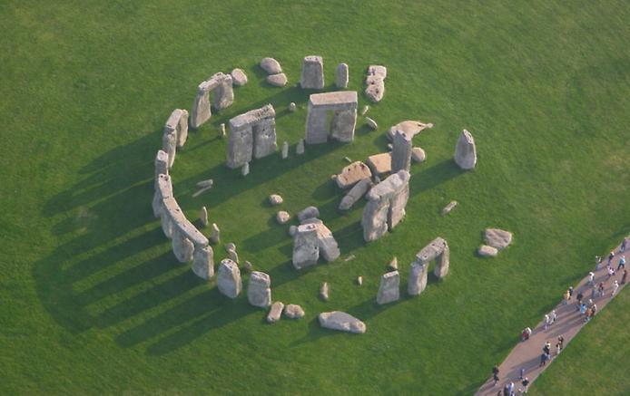 Осколки Вічності. Стоунхендж - гігантська кам'яна загадка посеред Європи (4)