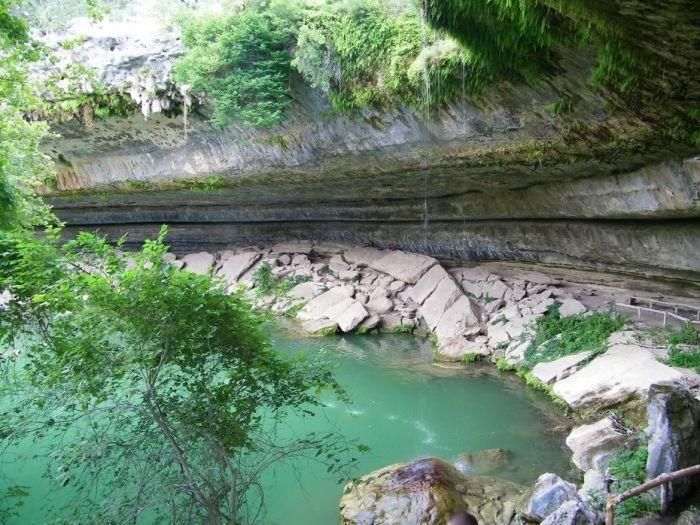 Фантастичної краси водоспад та озеро Гамільтона — Hamilton Pool (11)