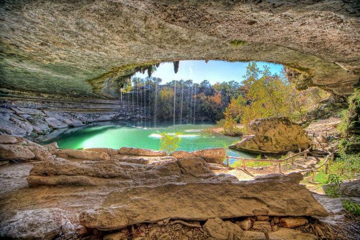 Фантастичної краси водоспад та озеро Гамільтона — Hamilton Pool (10)