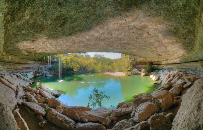Фантастичної краси водоспад та озеро Гамільтона — Hamilton Pool (8)