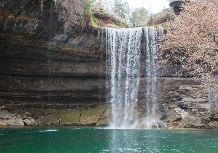 Фантастичної краси водоспад та озеро Гамільтона — Hamilton Pool (4)
